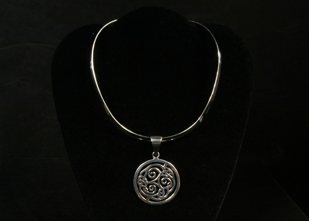 Silpada Designs Sterling Silver Collar and Celtic Pendant