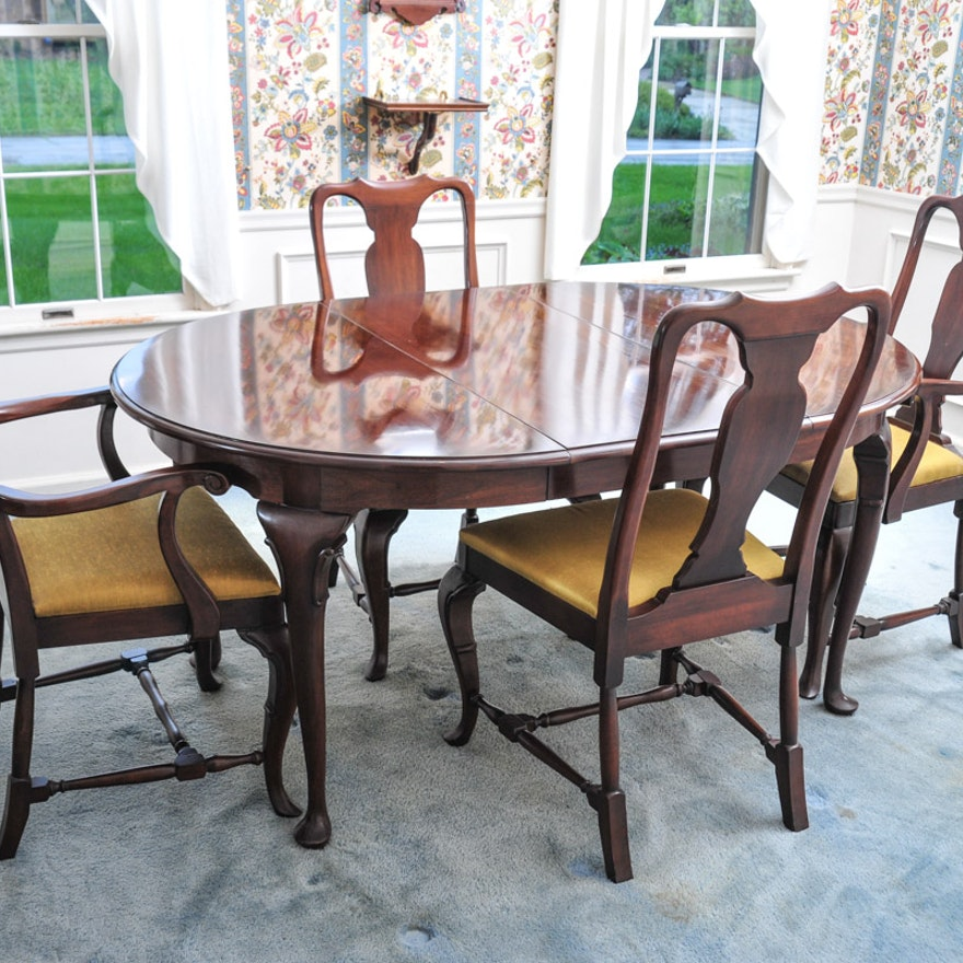 Herald Furniture Co Cherry Dining Table And Set Of Four Queen Anne Chairs