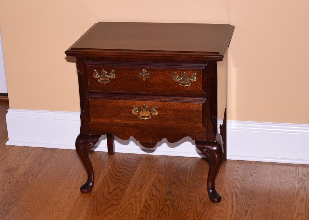 Sumter Furniture pany Mahogany Nightstand EBTH