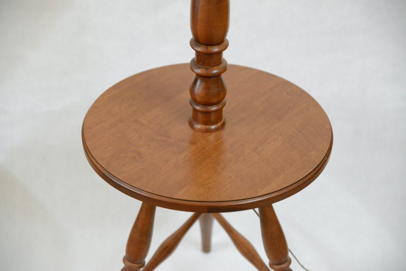 Vintage Tell City Quot Andover Quot Rock Maple Table With Lamp Ebth