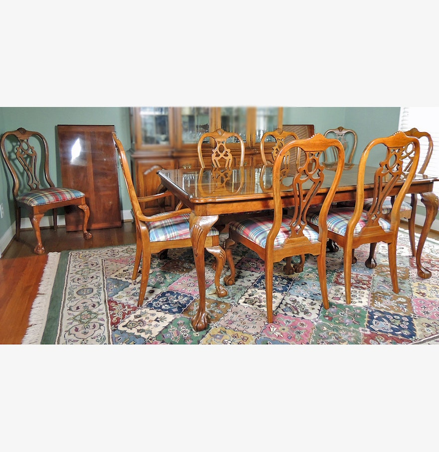 Thomasville Fisher Park Dining Table And Eight Chairs