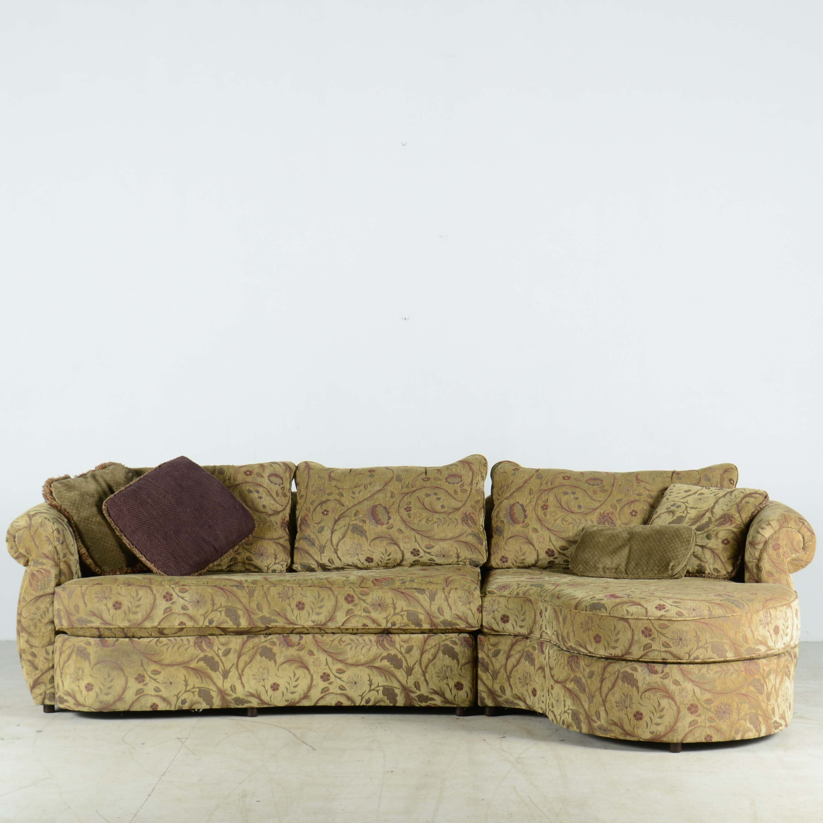 Upholstered Sectional with Built-In Chaise : settees and chaises - Sectionals, Sofas & Couches