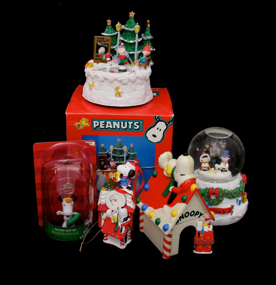 Peanuts Christmas Snow Globe, Music Box And Other