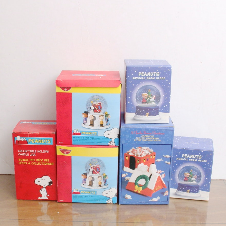 department 56 peanuts snow globes and other peanuts christmas items - Department 56 Peanuts Christmas