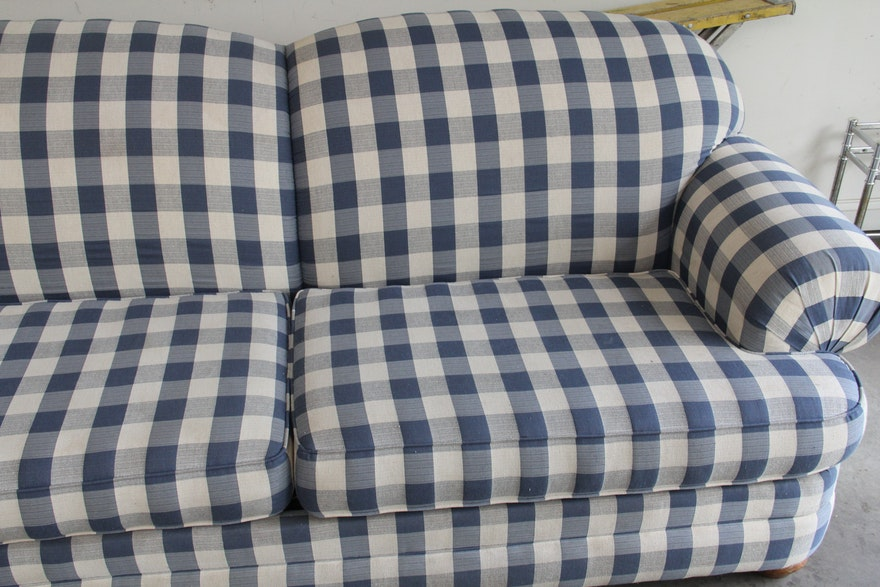 Broyhill Blue And White Plaid Sleeper Sofa Ebth