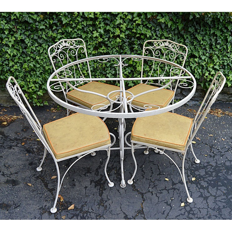 1950s Painted Iron Patio Dining Table And Chairs Ebth