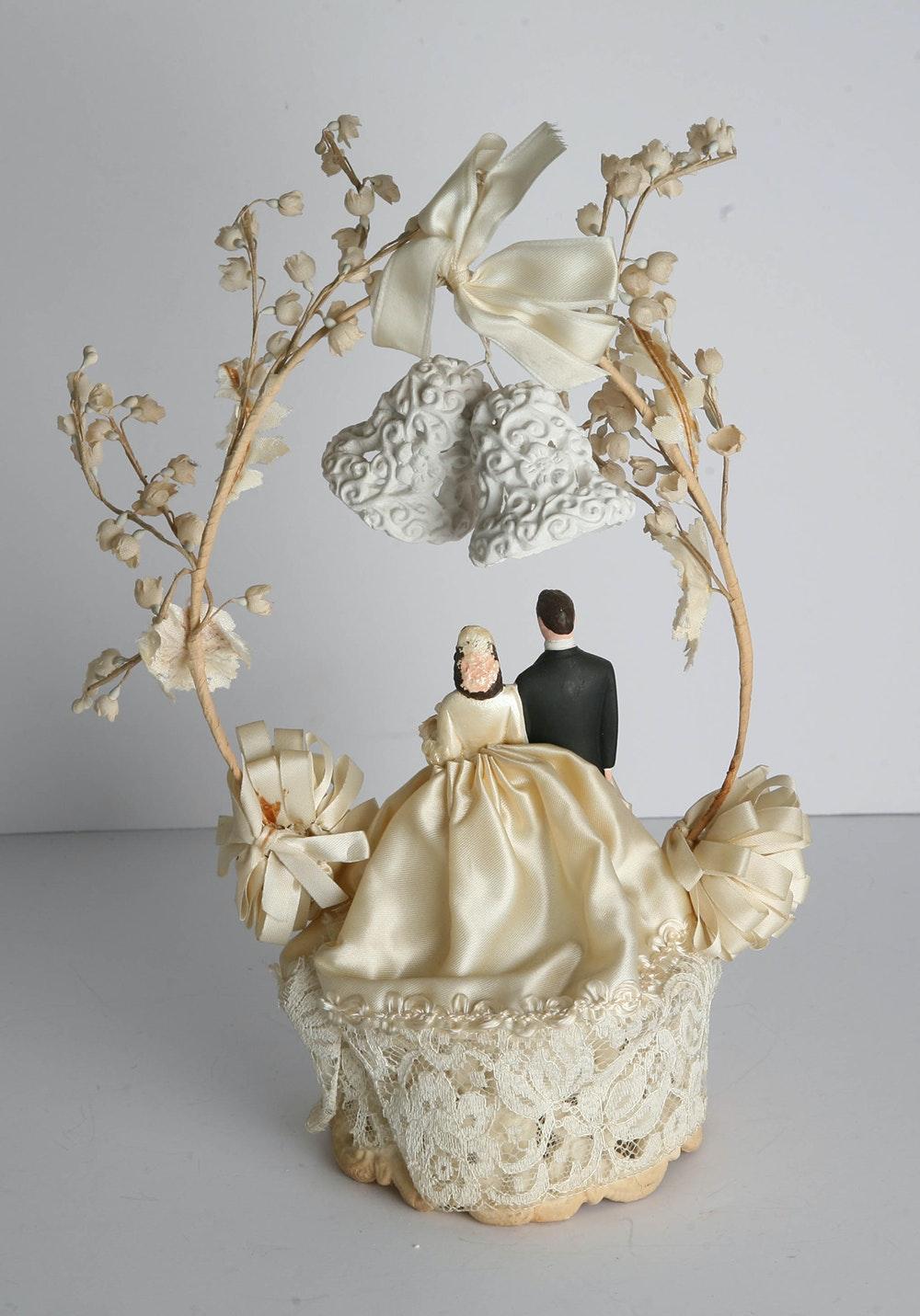 1950 39 s vintage bride and groom wedding cake topper ebth. Black Bedroom Furniture Sets. Home Design Ideas