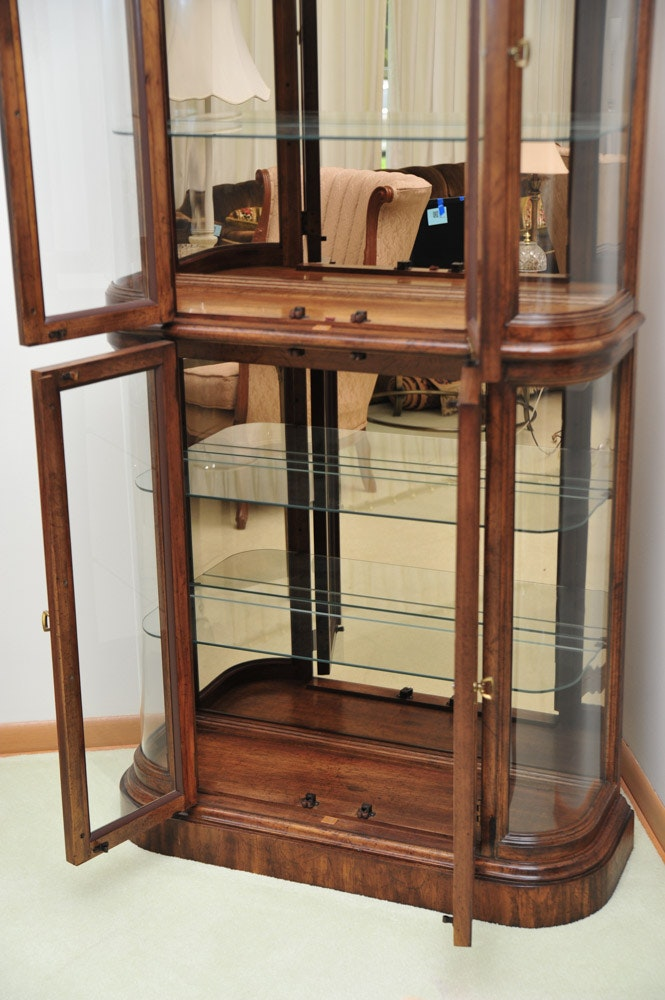 Lighted American Of Martinsville Curio Cabinet Ebth