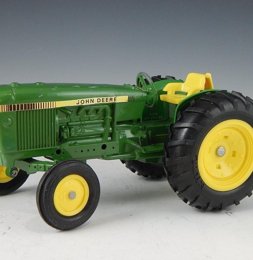 Ertl Green John Deere Toy Tractor : EBTH