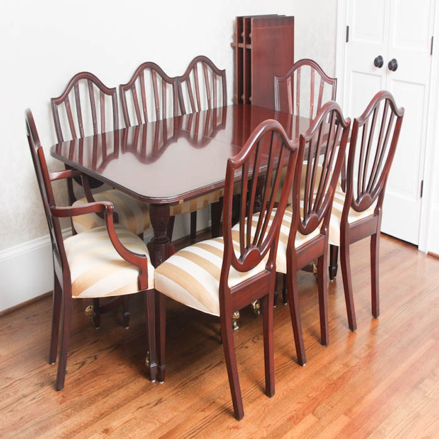 Baker Historic Charleston Dining Room Table and Chairs : EBTH