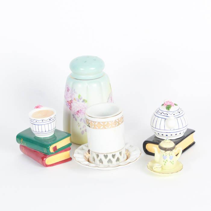 Set of Decorative Salt and Pepper Shakers   EBTH