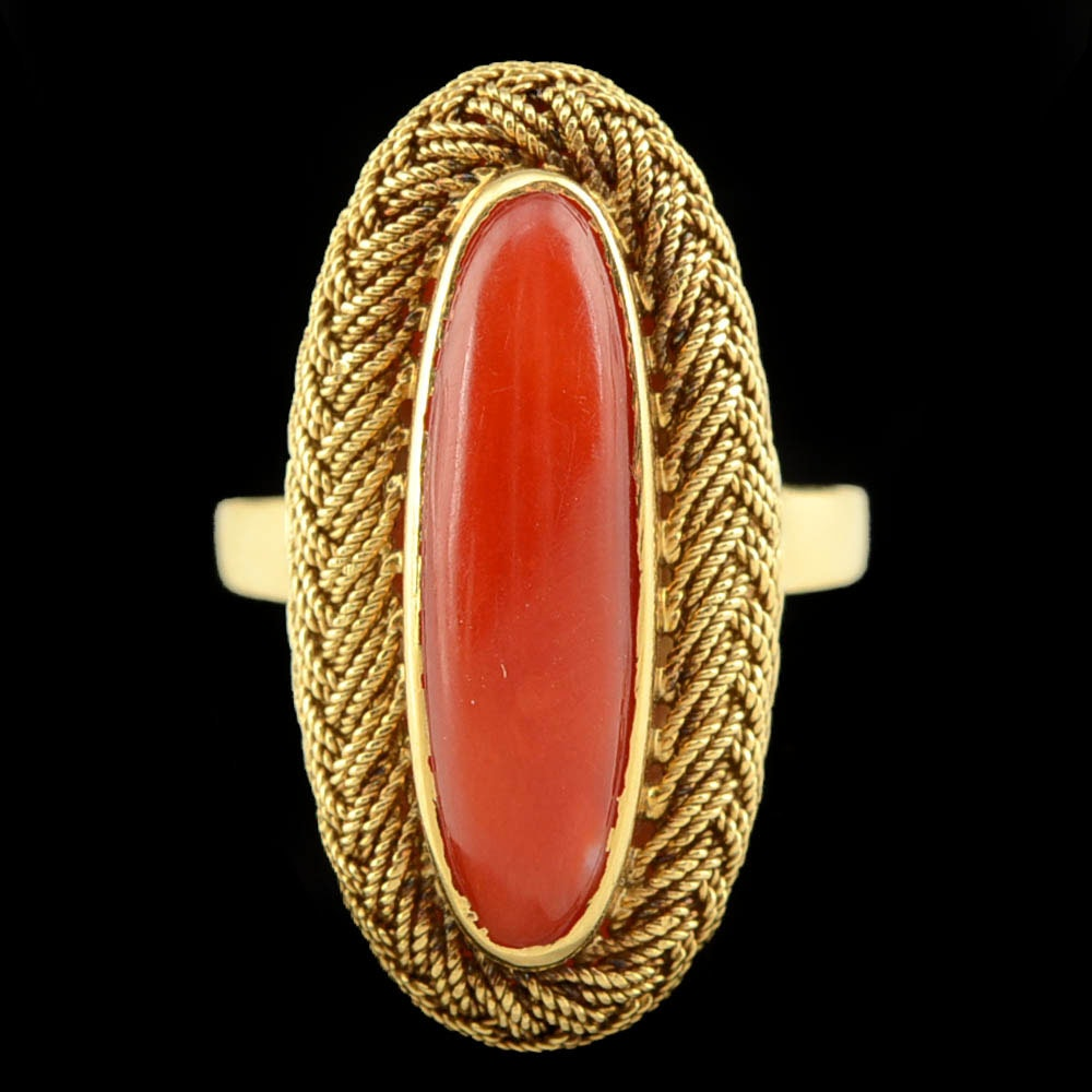 Vintage 18K Yellow Gold Red Coral Ring