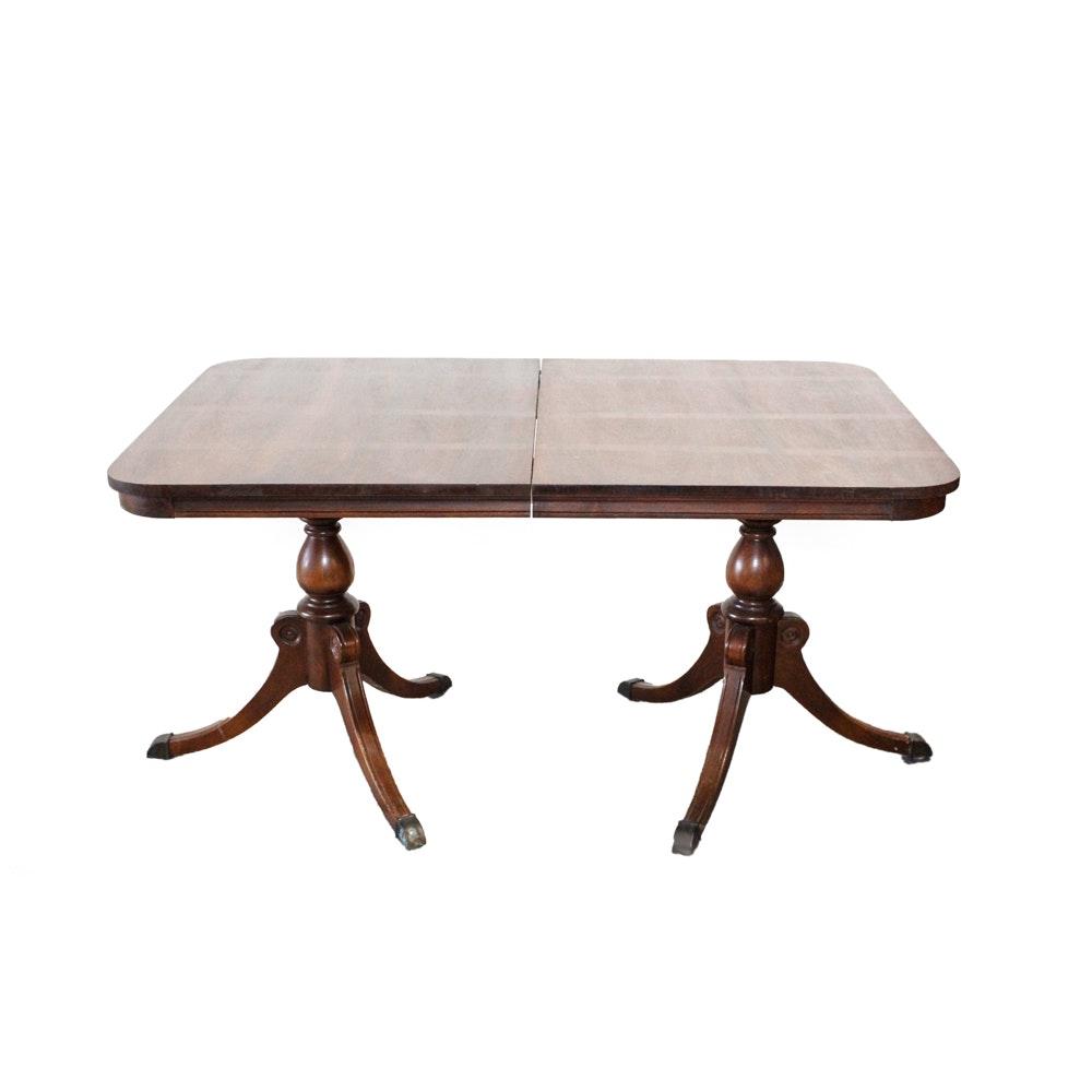 Duncan phyfe style walnut dining room table ebth for Table 52 2016