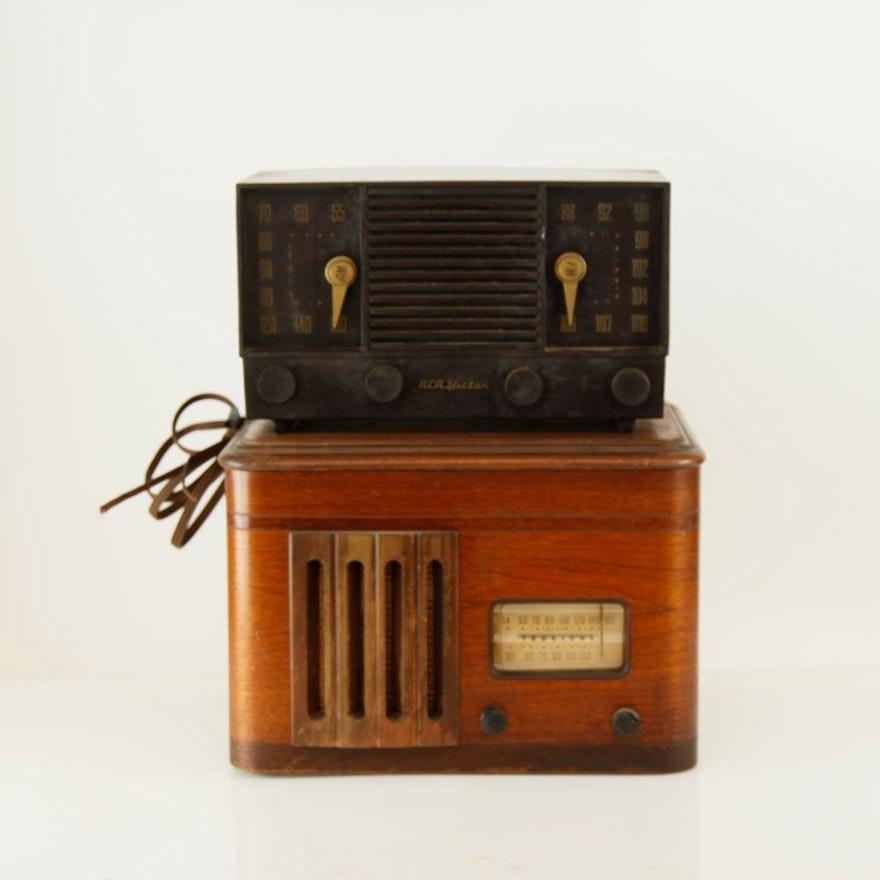 Vintage RCA Victor Radio and Truetone Player