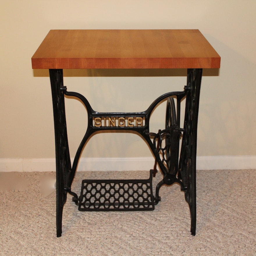 upcycled antique singer sewing machine table ebth. Black Bedroom Furniture Sets. Home Design Ideas