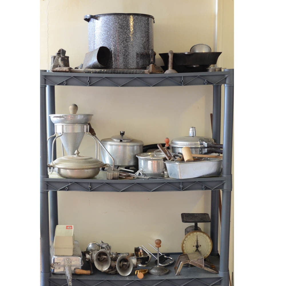 Assorted Vintage Kitchen Supplies : EBTH