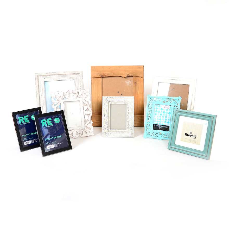 Collection of Picture Frames Including Broyhill : EBTH