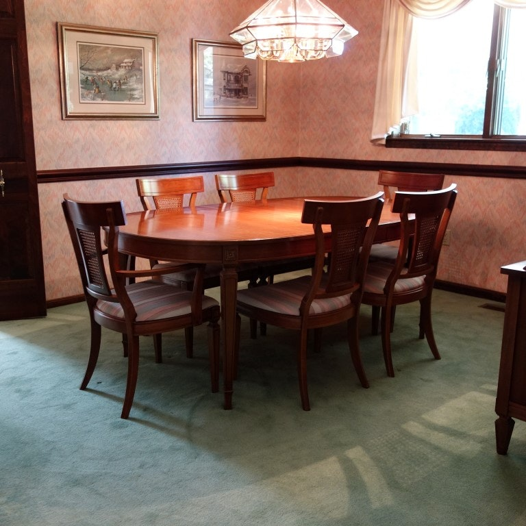 Thomasville Dining Table and Six Chairs