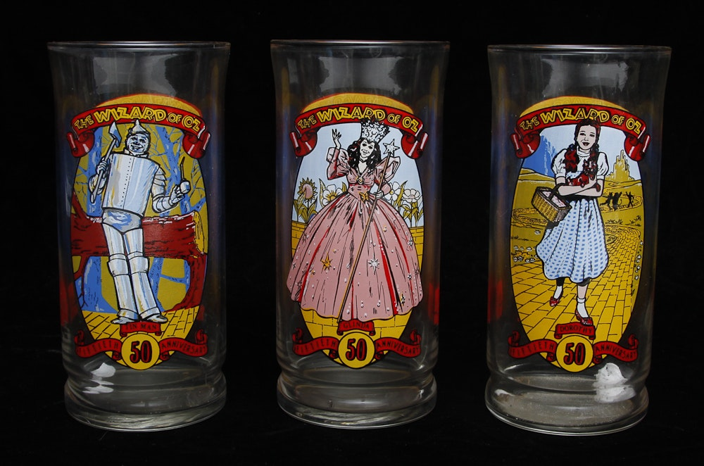 Cartoon Characters W Glasses : Vintage wizard of oz and cartoon character drinking