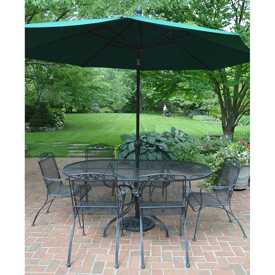 Lyon Shaw Patio Dining Table And Chairs With Umbrella