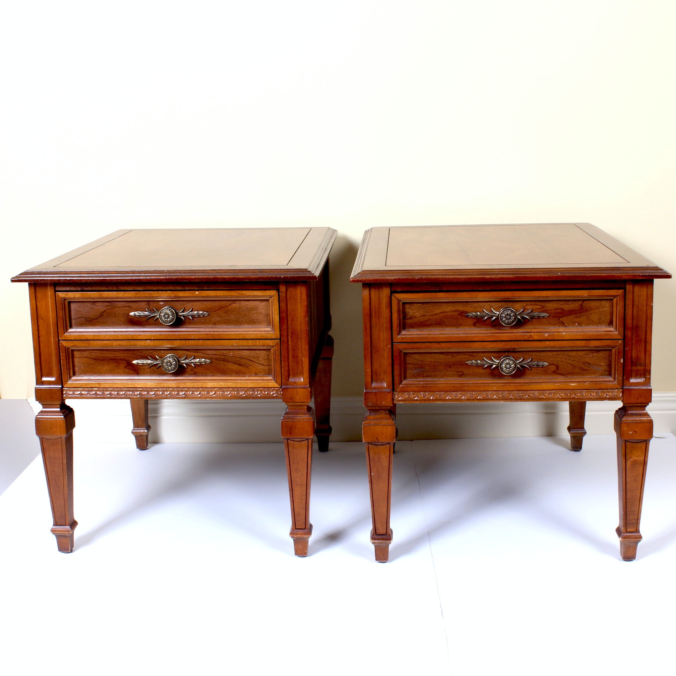 Bon Pair Of Vintage Hammary Federal Style Side Tables ...