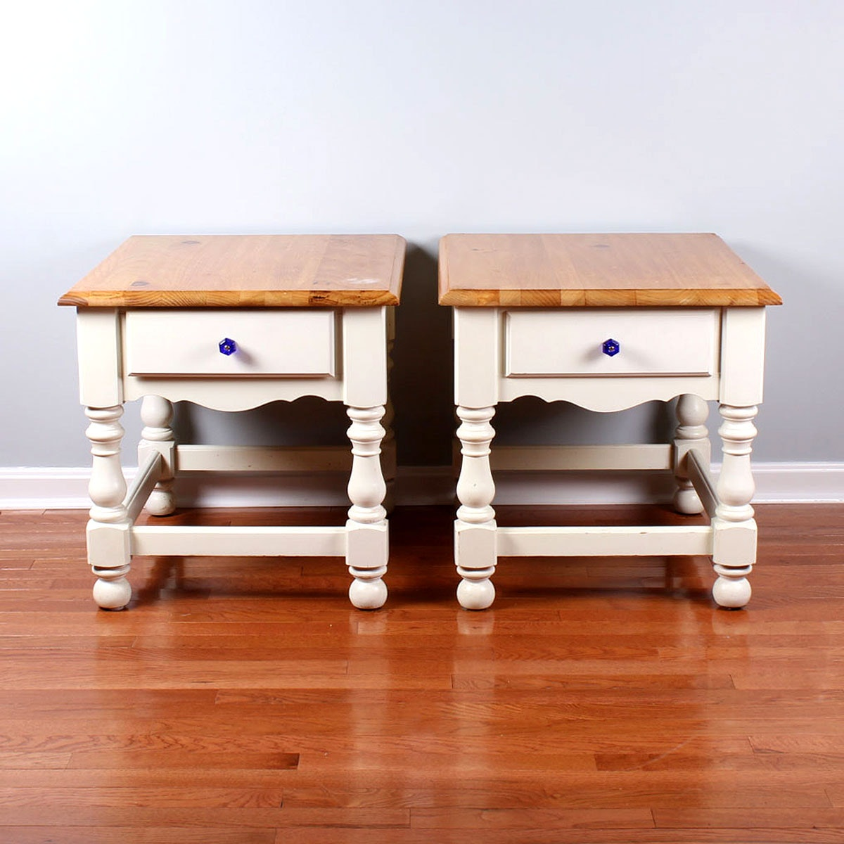 Pair Of Painted Country Style End Tables ...