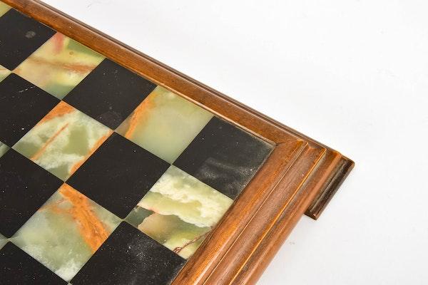 Chess set ebth - Chess board display case ...