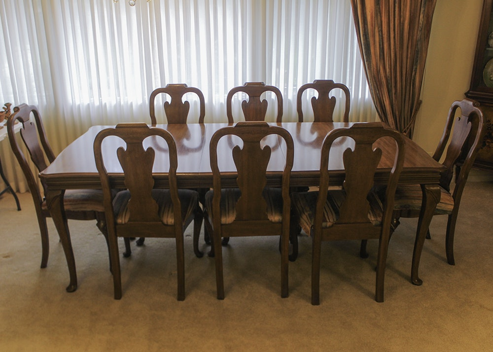 Davis Cabinet Co. Walnut Queen Anne Dining Table and Twelve Chairs