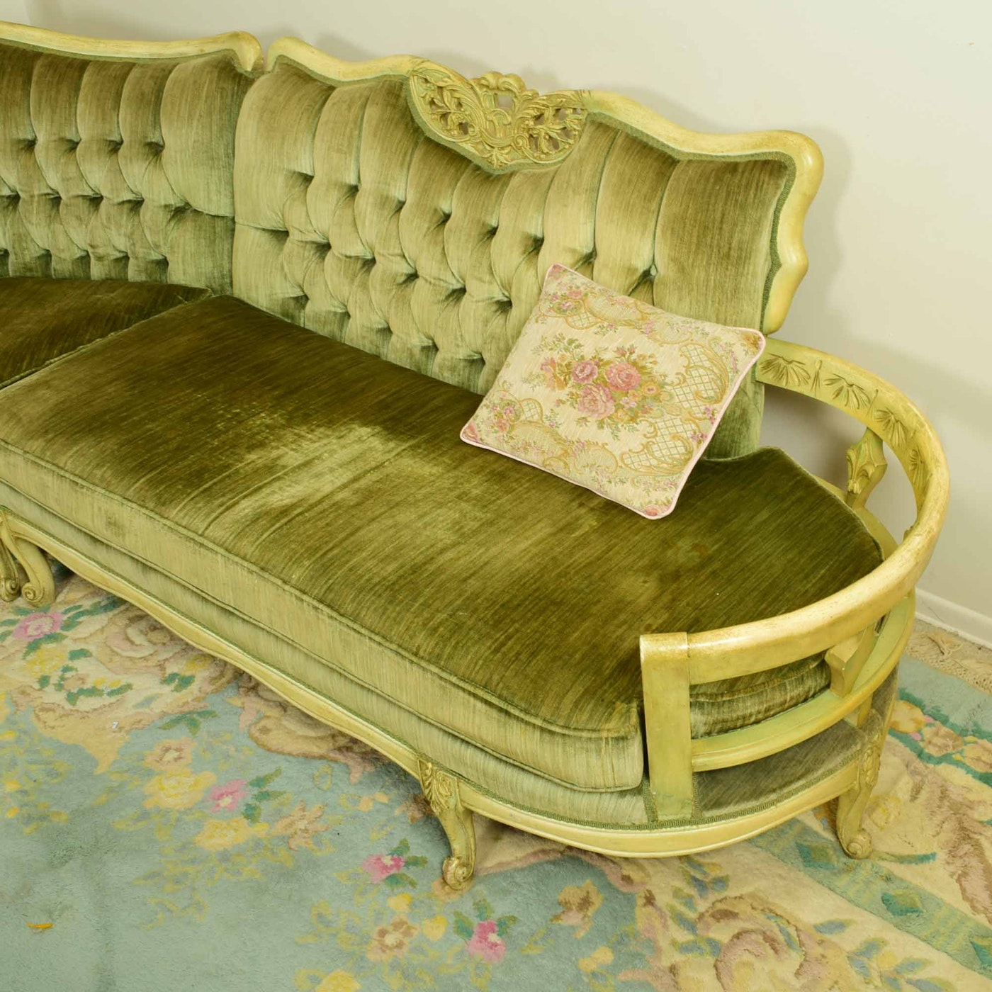 Vintage French Style Curved Sectional Sofa   EBTH