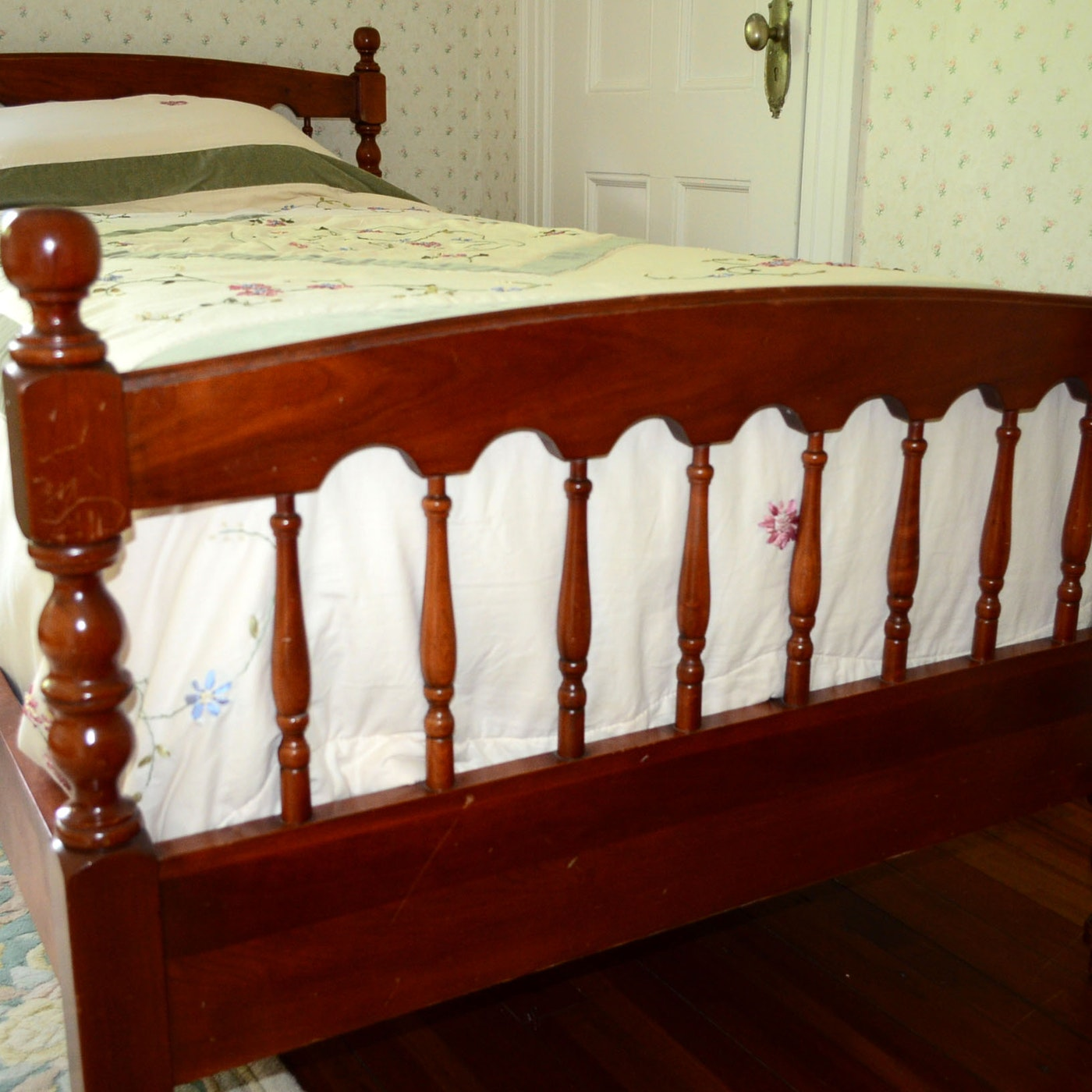 Twin size wood bed frame ebth for Twin size wood bed frame