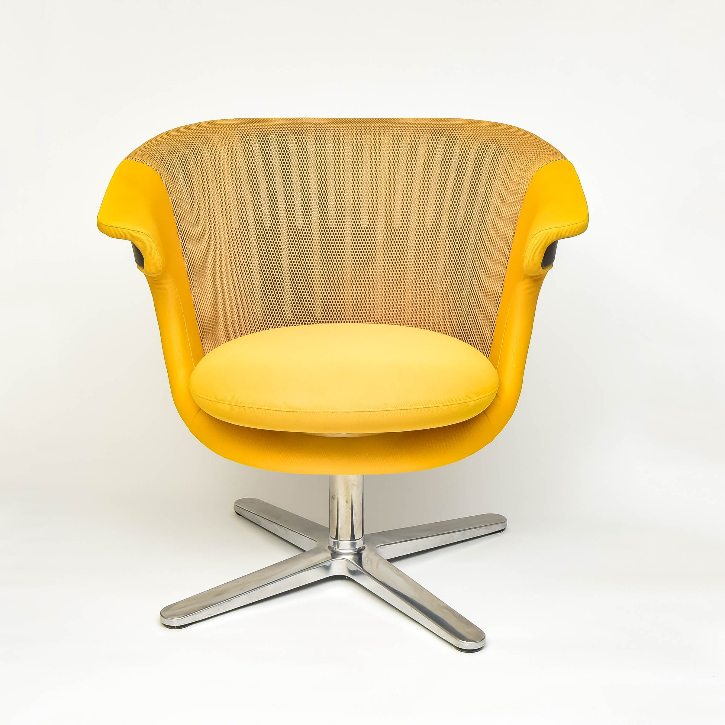 Delightful Canary Yellow Steelcase I2i Ergonomic Chair