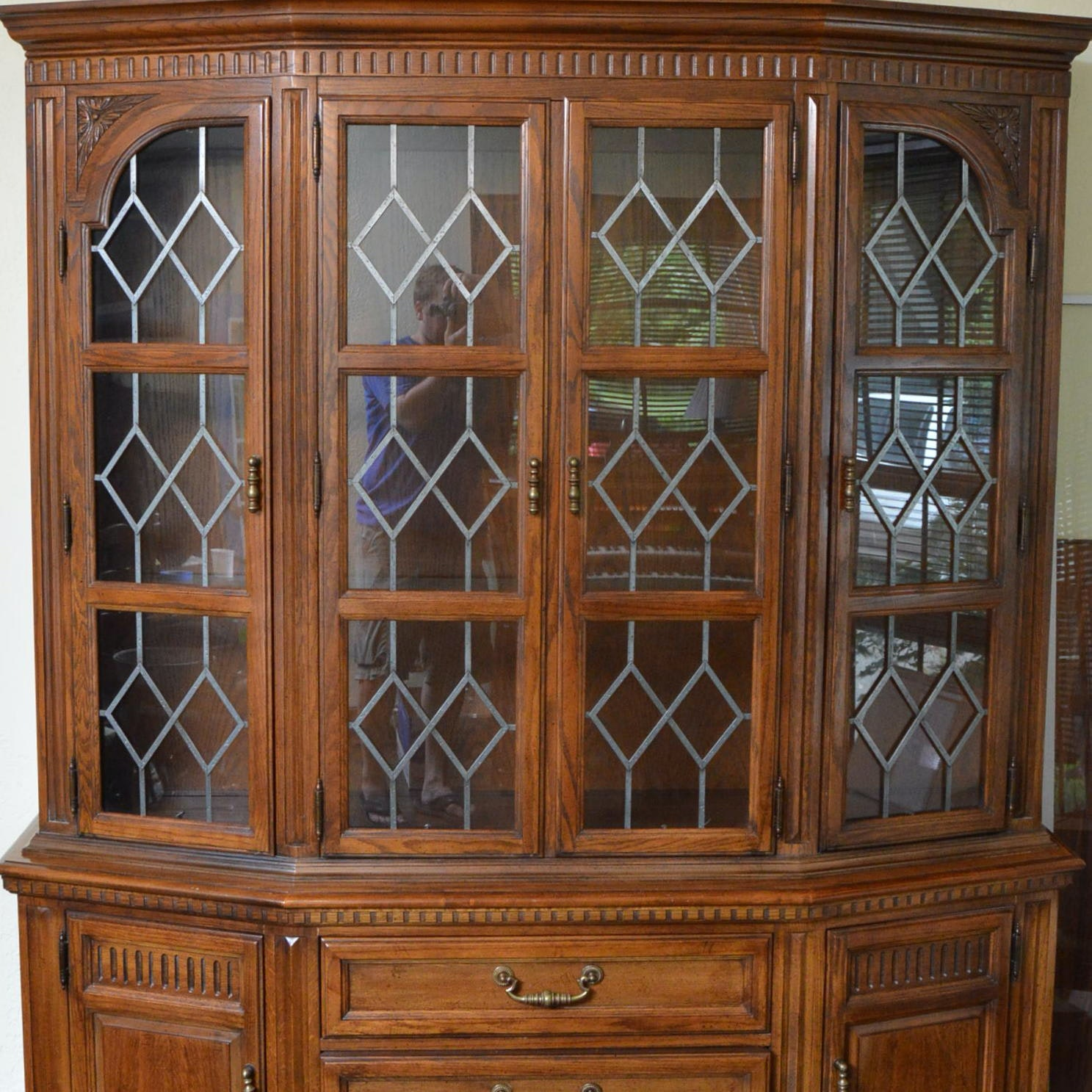 Hickory Manufacturing Co. China Cabinet ...
