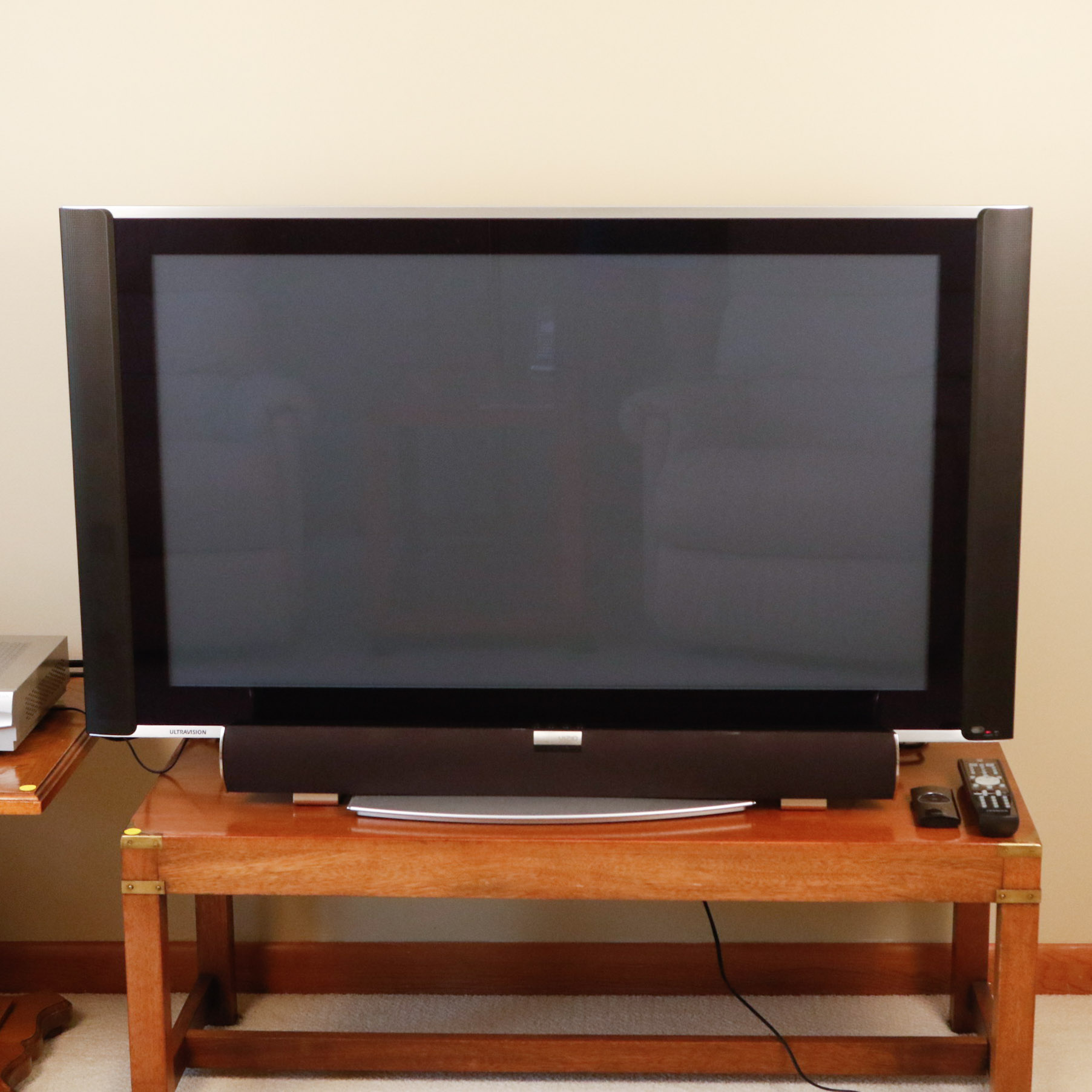 hitachi plasma tv. hitachi ultravision 42\ plasma tv u