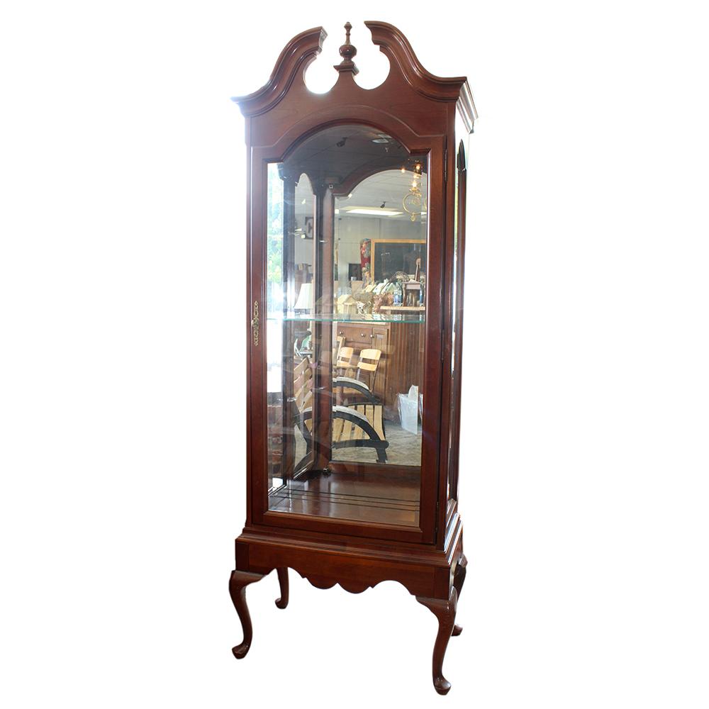 Jasper Cabinet Company Queen Anne Style Illuminated Curio Cabinet ...