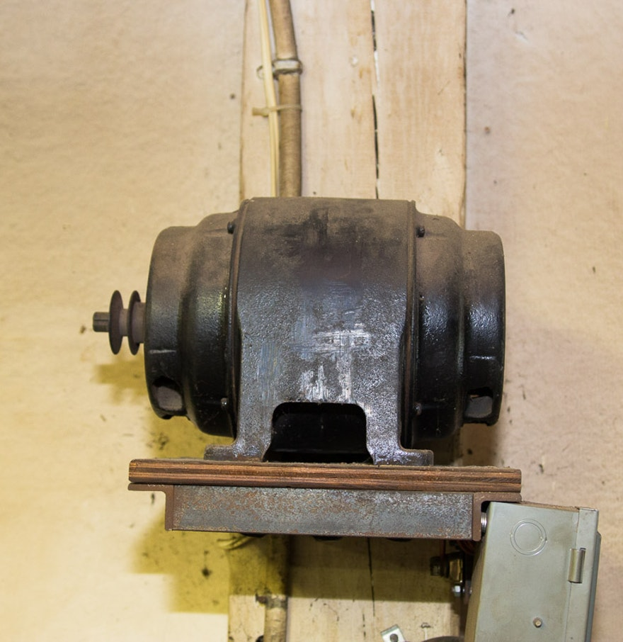 Vintage 220 Volt Motor With Cutler Hammer Control Panel Ebth
