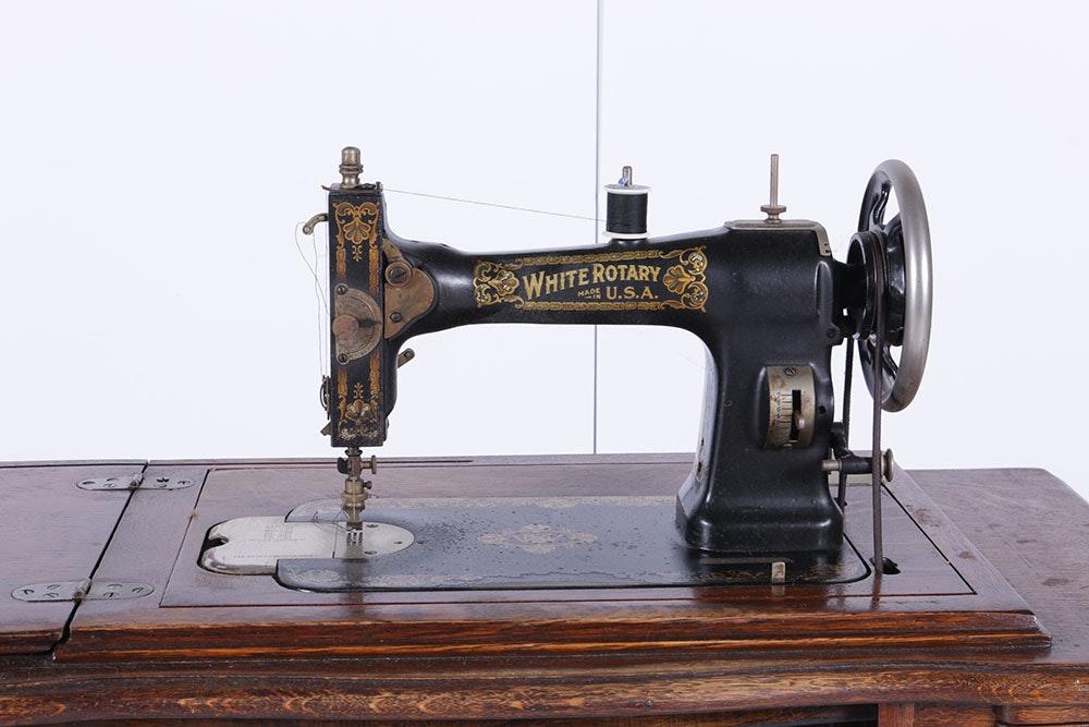 1913 white rotary sewing machine