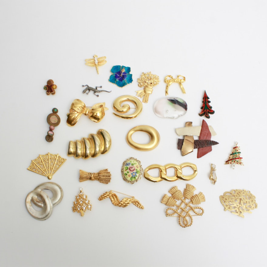 5d13fba7b8d Generous Assortment of Costume Jewelry Brooches : EBTH