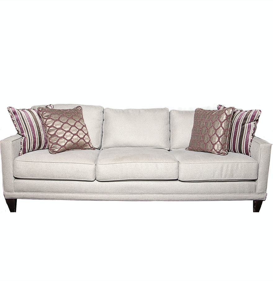 What Size Throw Pillow For Sofa : Rowe Furniture Full Size Sofa with Decorative Pillows : EBTH