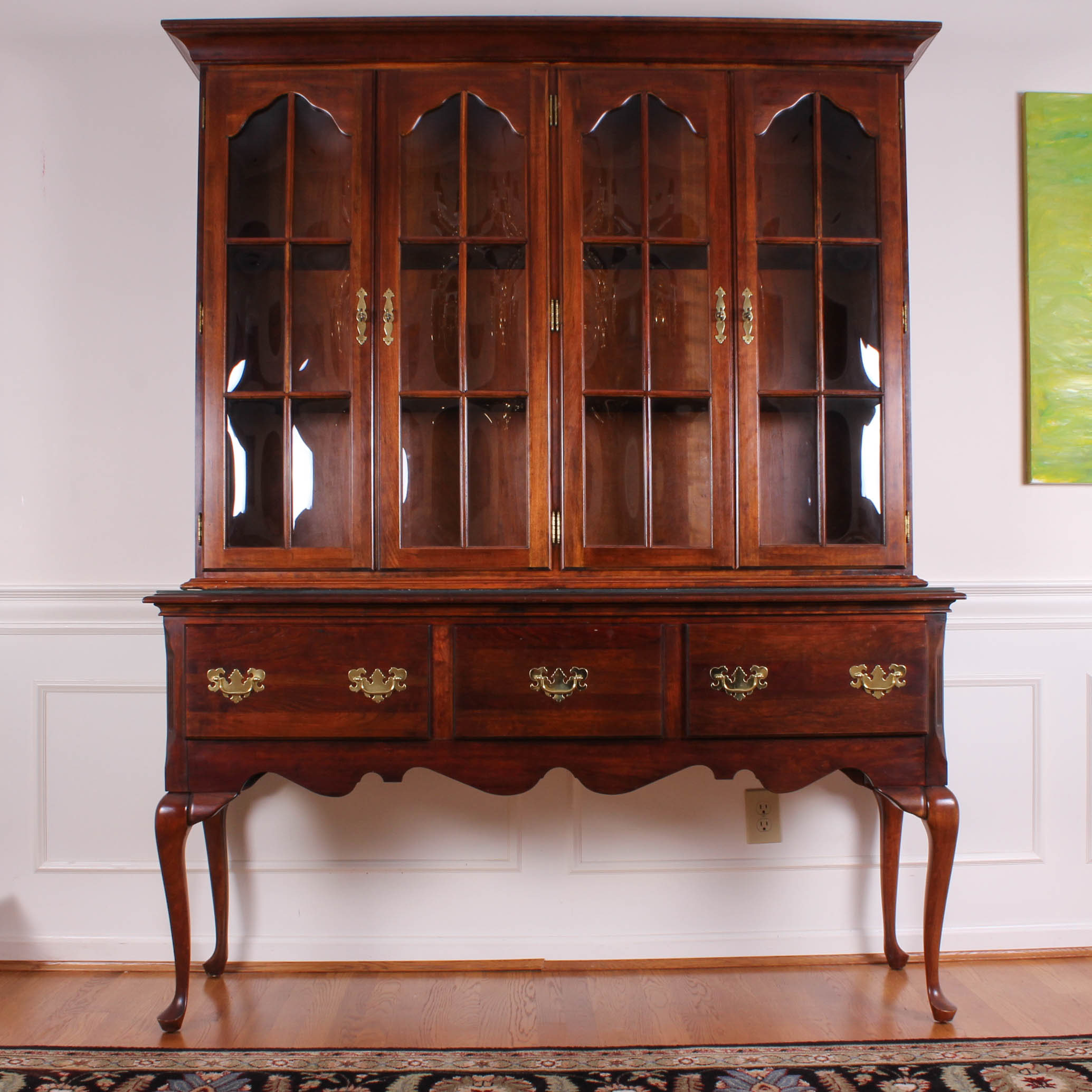 Queen Anne Style Sideboard with China Cabinet : EBTH