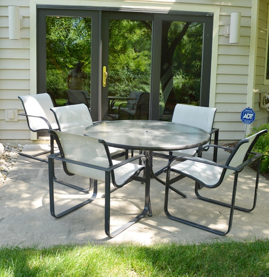 Brown Jordan Quantum Collection PatioTable Four Chairs Spring