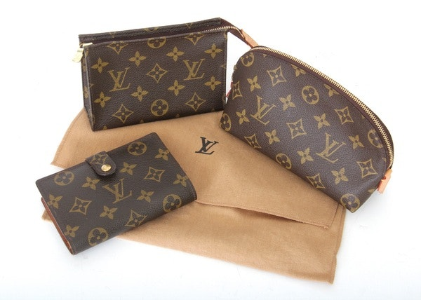 second hand louis vuitton handbags accessories used louis vuitton purses ebth. Black Bedroom Furniture Sets. Home Design Ideas