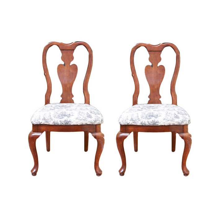 Pair Of Queen Anne Style Fiddle Back Chairs ...