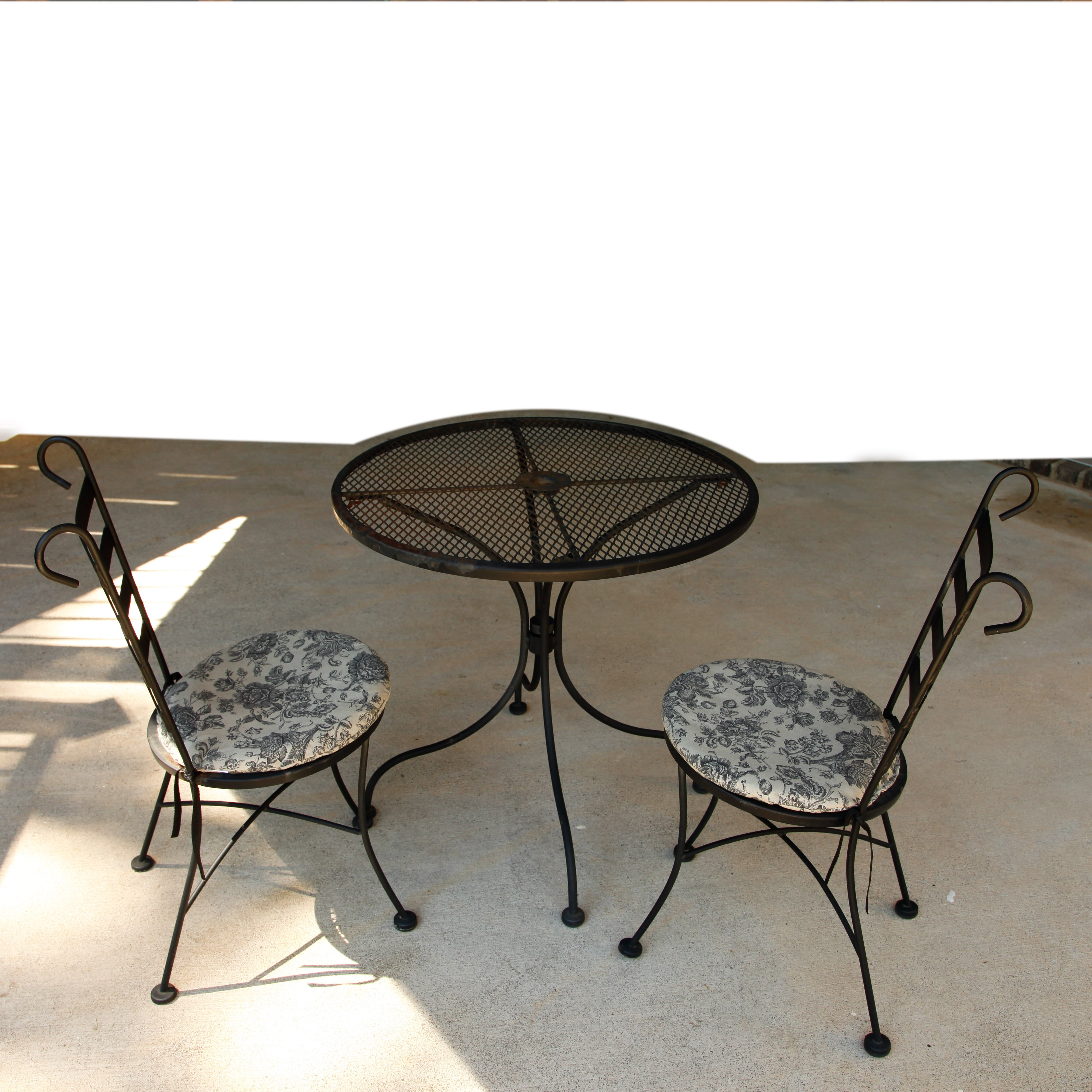 Attractive Plantation Patterns Patio Furniture #7: Vintage Plantation Patterns Wrought Iron Patio Table And Chairs ...