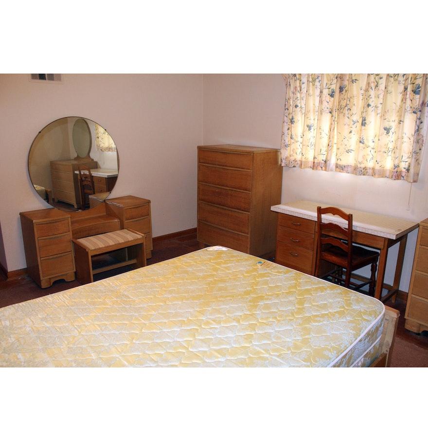 Maple Furniture Bedroom Complete Empire Case Goods Mid Century Maple Bedroom Set Ebth