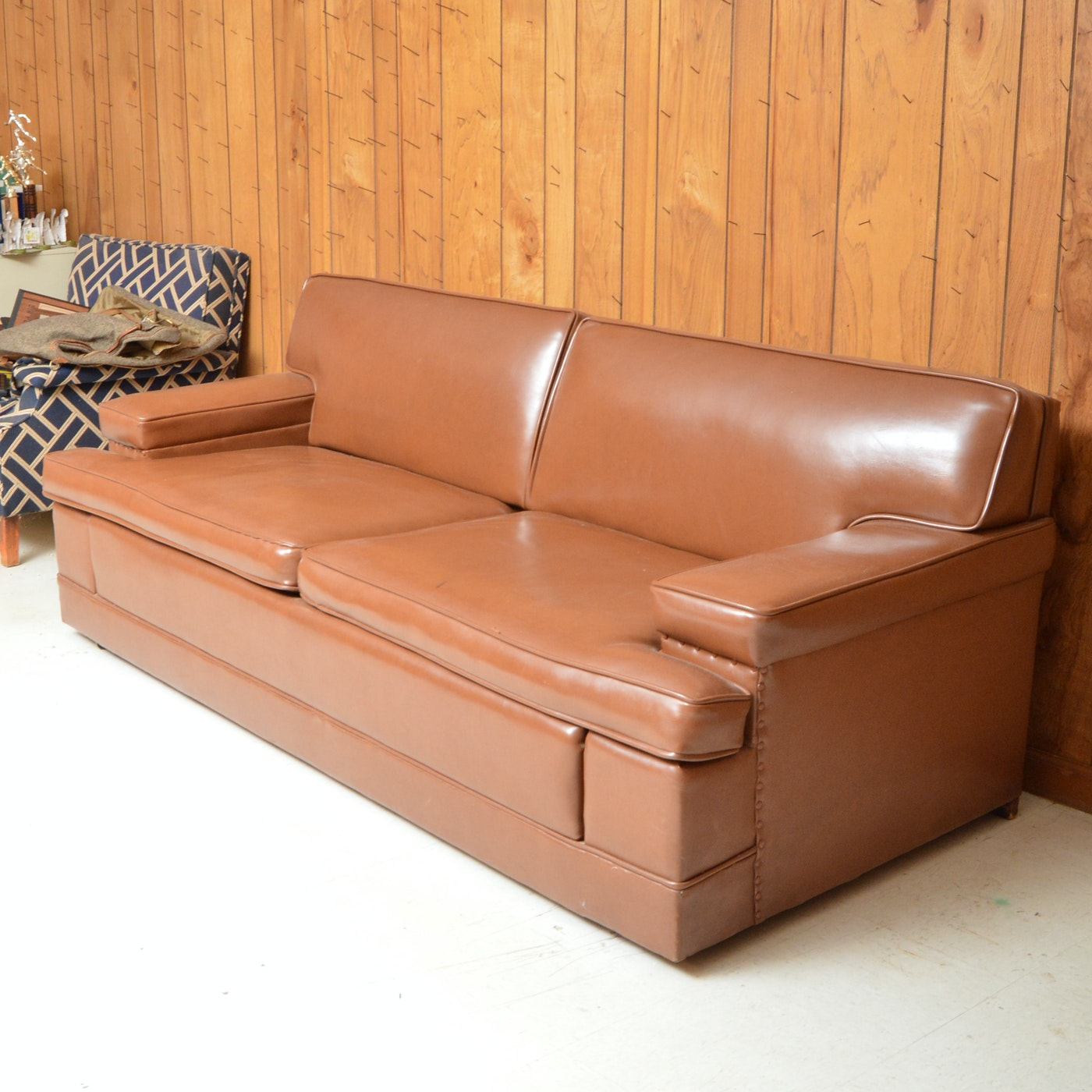 Vintage Brown Leather Sleeper Sofa  EBTH