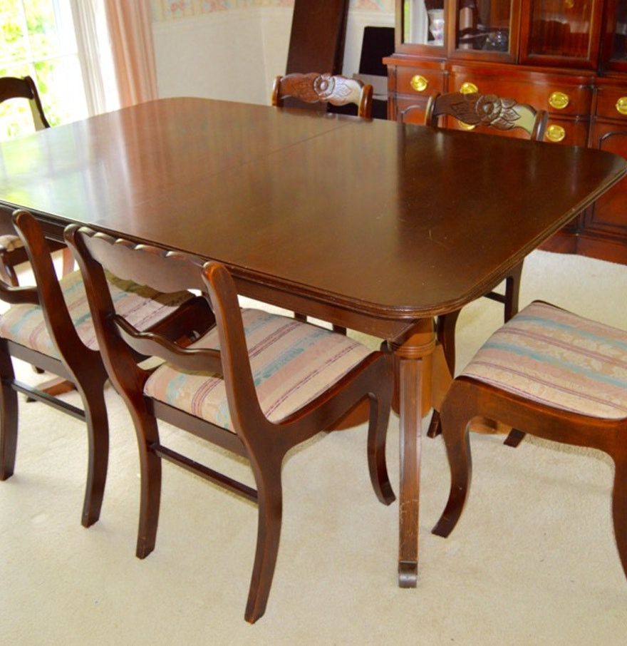 vintage duncan phyfe style dining table with six roseback chairs ebth. Black Bedroom Furniture Sets. Home Design Ideas