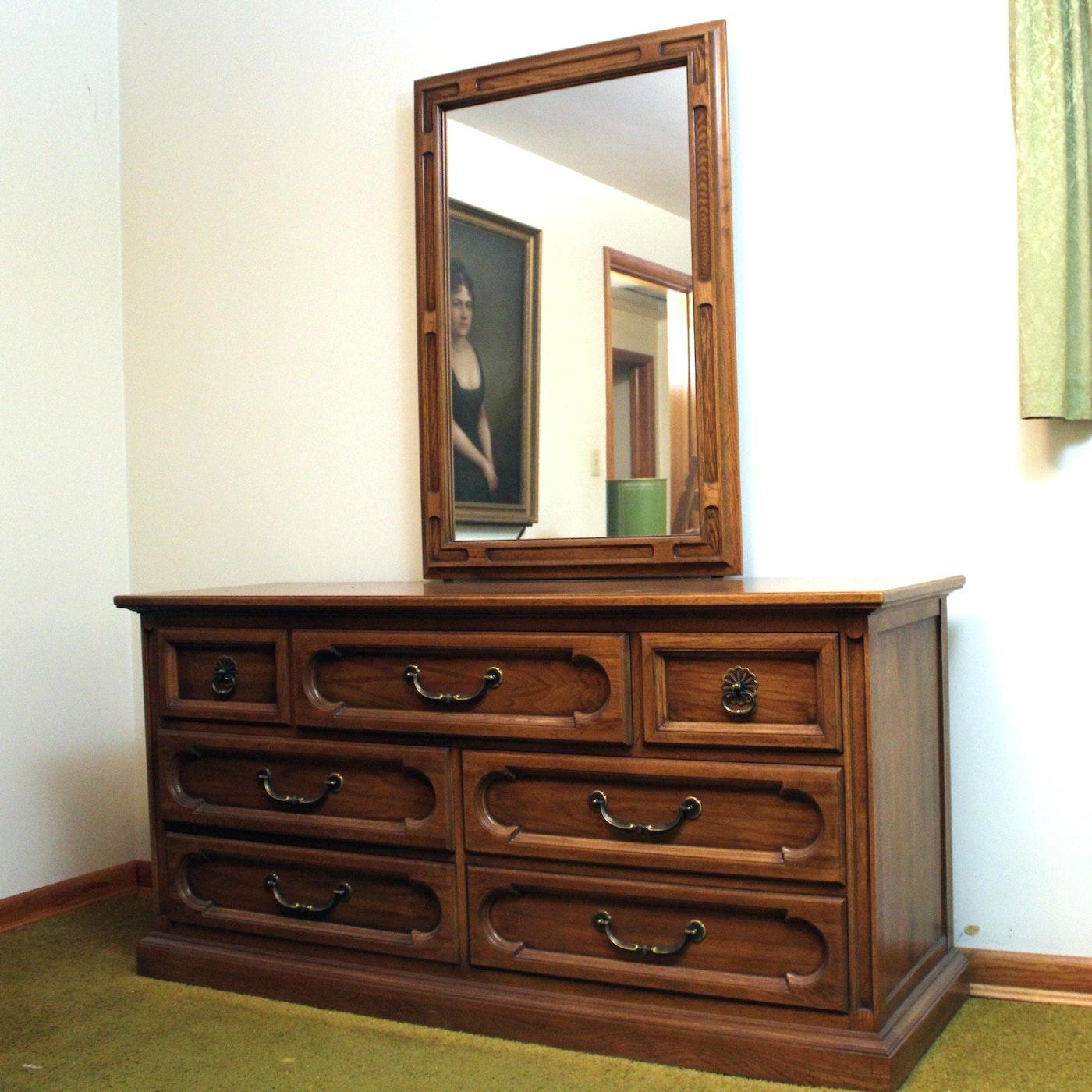 """Webb Furniture Dresser With Mirror: Vintage """"Unique Furniture Makers"""" Dresser With Mirror"""