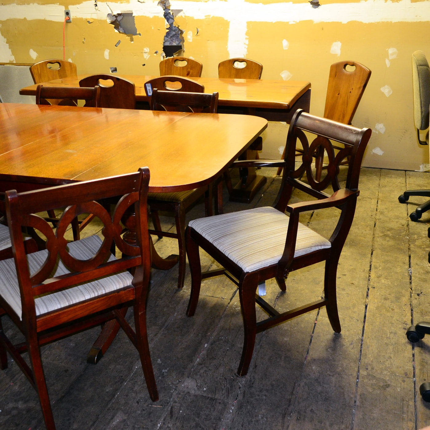 Circa 1940s Cherry Duncan Phyfe Table and Chairs : EBTH