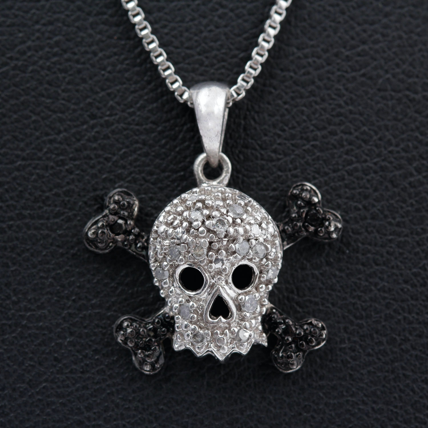 Sterling Silver Black and White Diamond Skull Pendant Necklace
