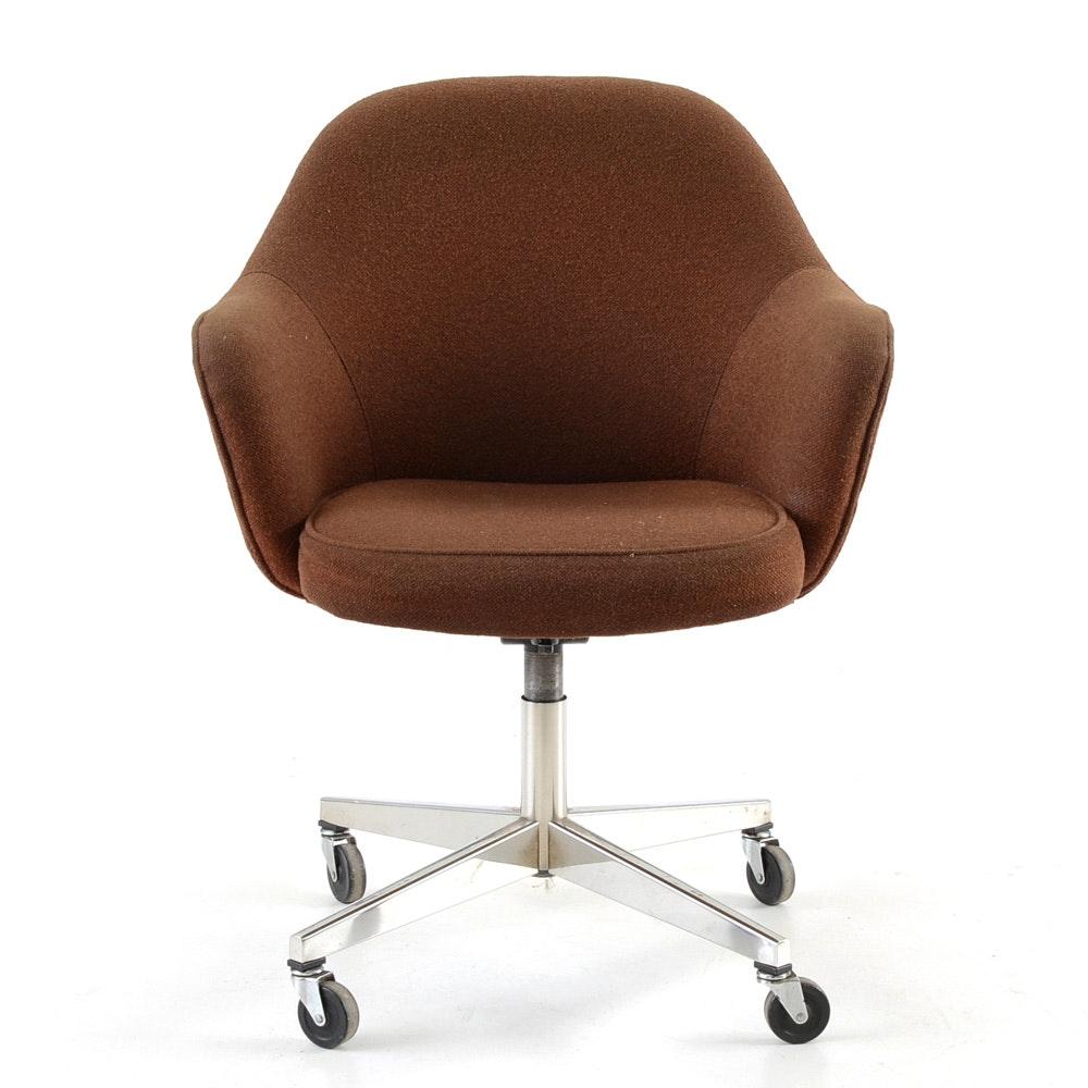 Mid Century Modern Knoll Style Executive Chair